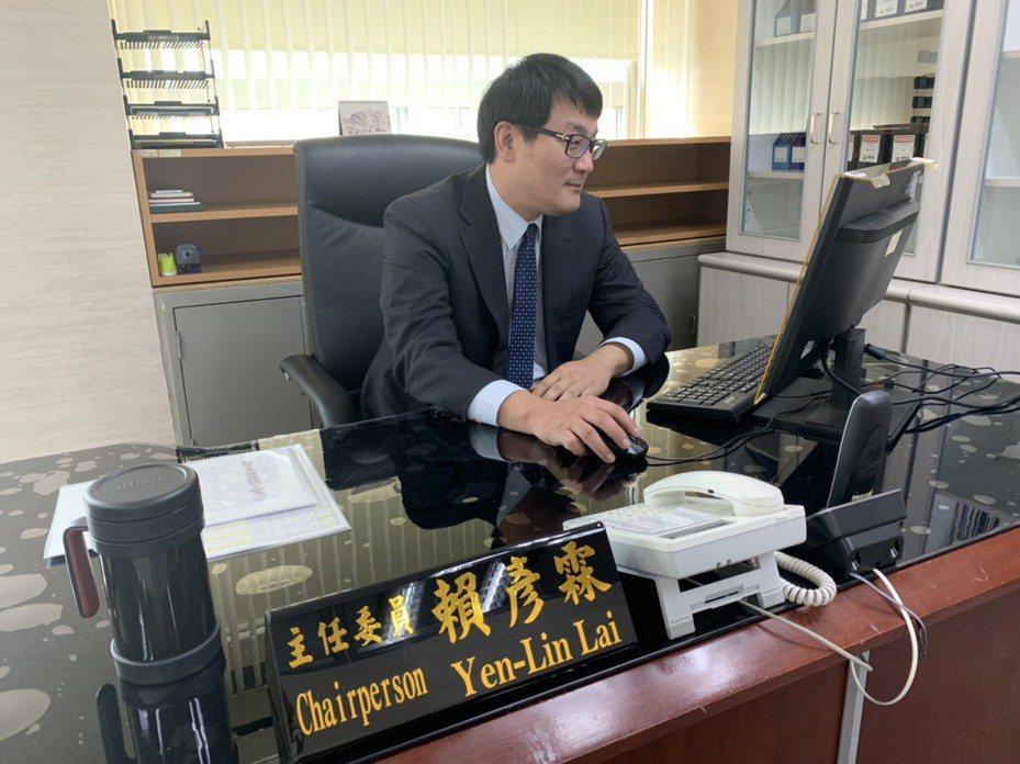 北市府研考會主委則改由台灣戰略模擬學會執行長賴彥霖接任,並於今天正式到職。圖/北市府提供