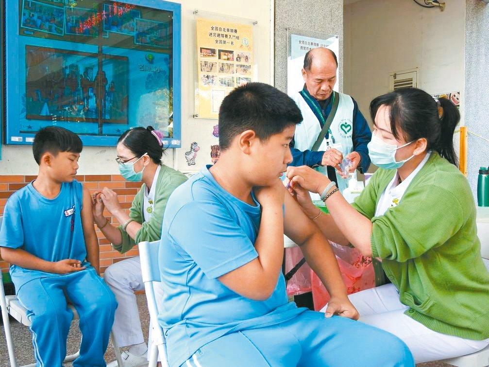 台中市流感疫苗仍餘8萬劑,彰化也還有3萬多劑,南投剩不到5000劑,但預計農曆春...
