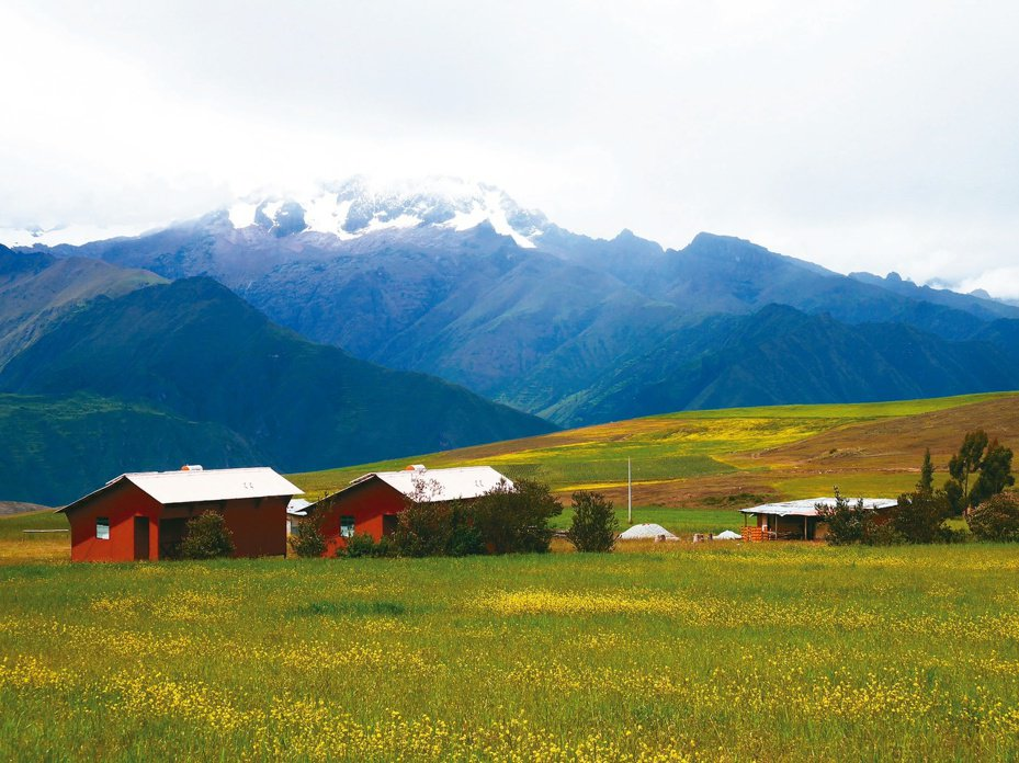安地斯山脈長度約有七千公里,是陸地上最長的山脈,從北到南環抱著南美洲的國家委內瑞拉、哥倫比亞、厄瓜多、祕魯、玻利維亞、智利和阿根廷。