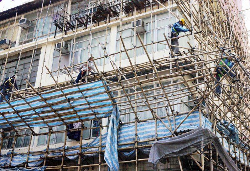 香港經濟衰退,去年10至12月經季節調整的失業率為3.3%,是自2017年1月以來的3年新高。 香港中國通訊社