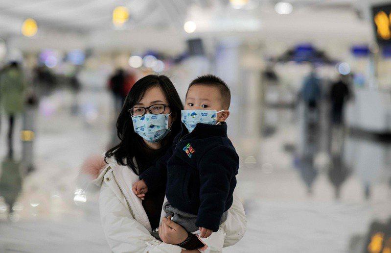 武漢肺炎在中國迅速擴散,但許多民眾都不清楚疫情嚴重性。圖/法新社