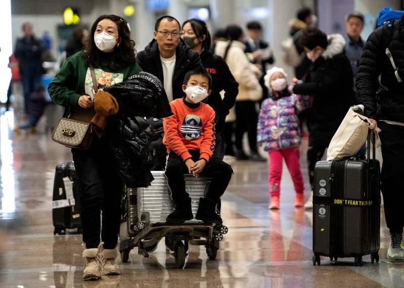 世界衛生組織今天表示,關於新型冠狀病毒傳播方式尚未有明確結論,但根據經驗及中國疫情分析可能出現人傳人,預計未來幾天可能會有更多病例。 法新社