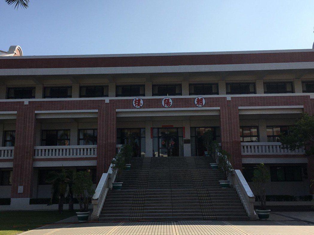南大附小是台南最古老的小學之一,各大樓名稱都和太陽有關。 記者鄭惠仁/攝影
