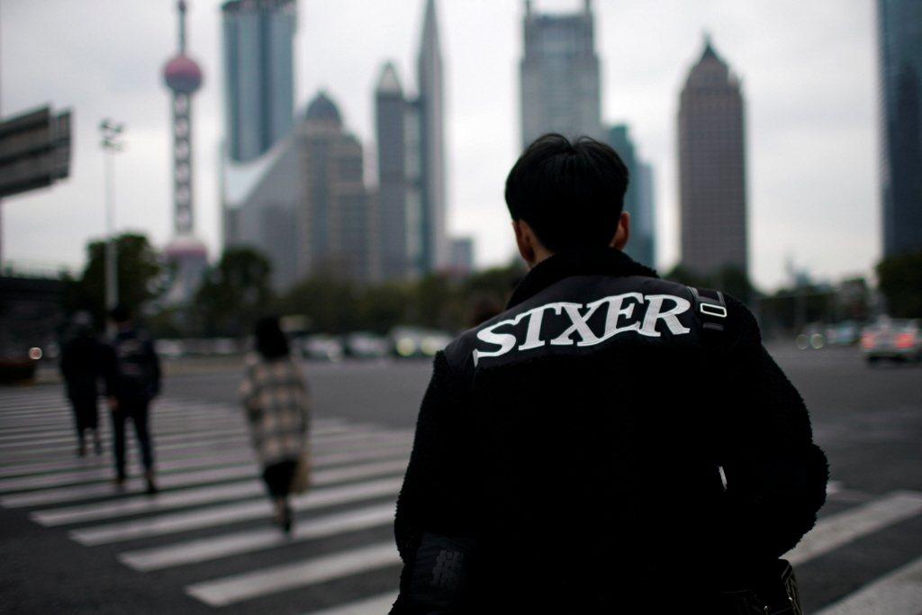 隨著中國經濟衰退、政治衝突、金融管控、資本寒冬等因素,數百家高估值的中國科技新創...