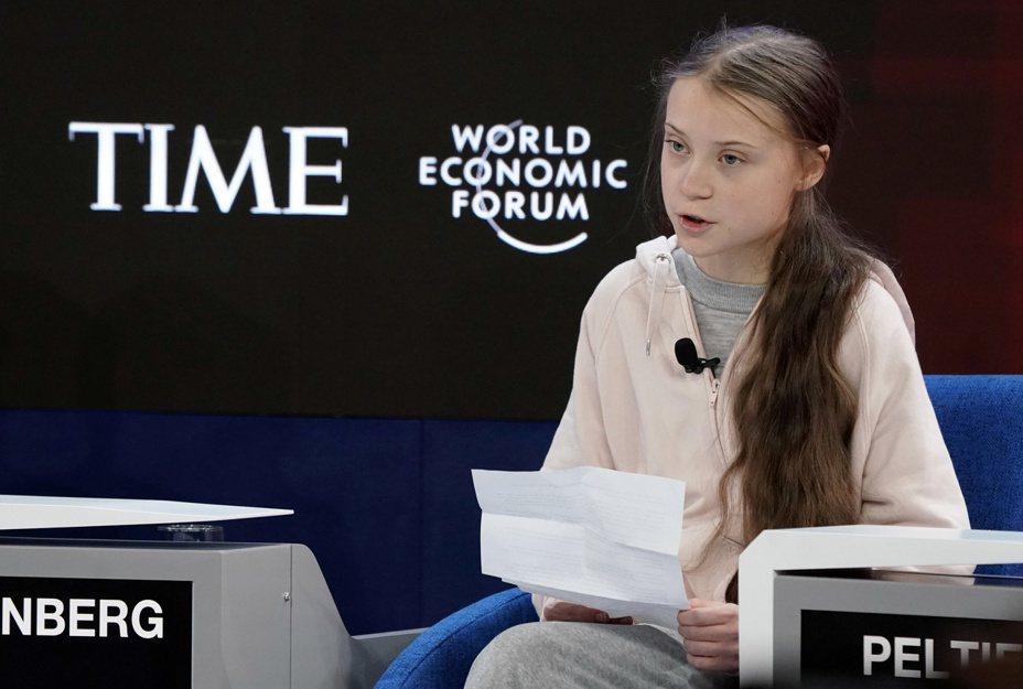 瑞典環保少女童貝里21日在WEF論壇上發表演說。路透