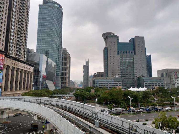 環狀線第一階段開通,板橋大遠百規劃系列集客活動。圖/遠百提供