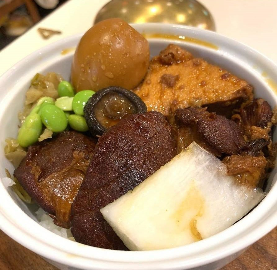 部落客稱讚肉滷得透香,配料豐富。圖/IG @hayleiwu 提供
