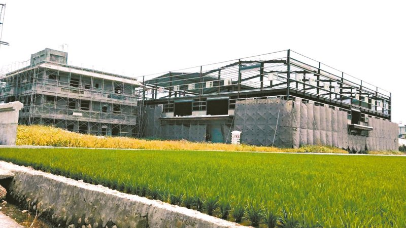 「工廠輔導管理法」修正後將在3月上路,南投縣去年清查農地違章工廠,後續將要求完成特登申請規定。 圖/南投縣政府提供