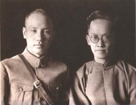 蔣介石(左)與胡漢民於1926年合影。 圖/聯合報系資料照片