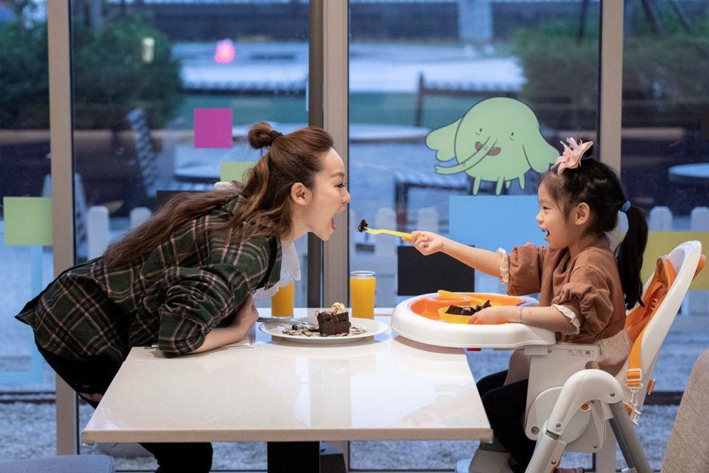 Cozzi KITCHEN親子友善環境,與小寶貝一起輕鬆用餐。  和逸飯店台南西...
