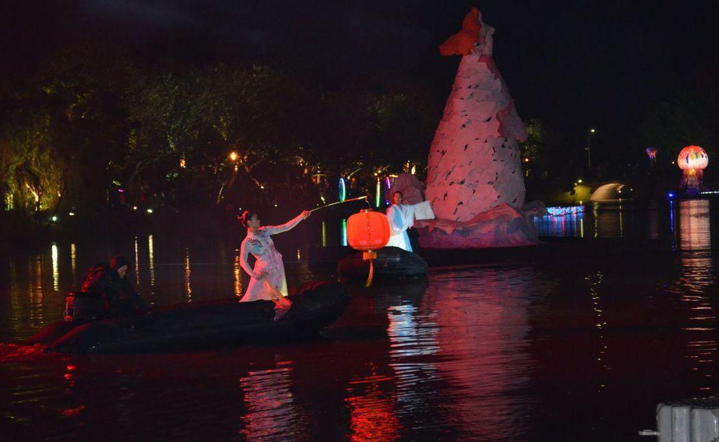 〈水月風華〉演出位月津港燈節點燈揭幕。  陳慧明 攝影
