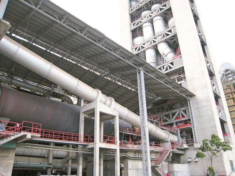 法人表示,亞泥大陸轉投資山水水泥營運展望正向,將為公司帶來貢獻。圖為亞泥花蓮廠。 圖/聯合報系資料照片