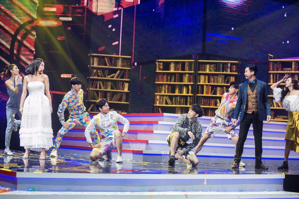 台灣大哥打造的華人首支原創歌舞短片《奇幻書店》,即將在1/24台視除夕賀歲節目《...