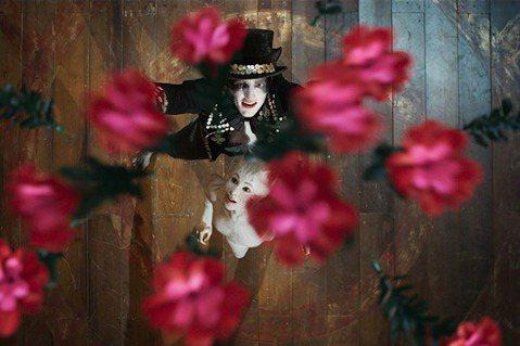 史詩級災難片《貓》(一):「毫無劇情」的舞台劇原典