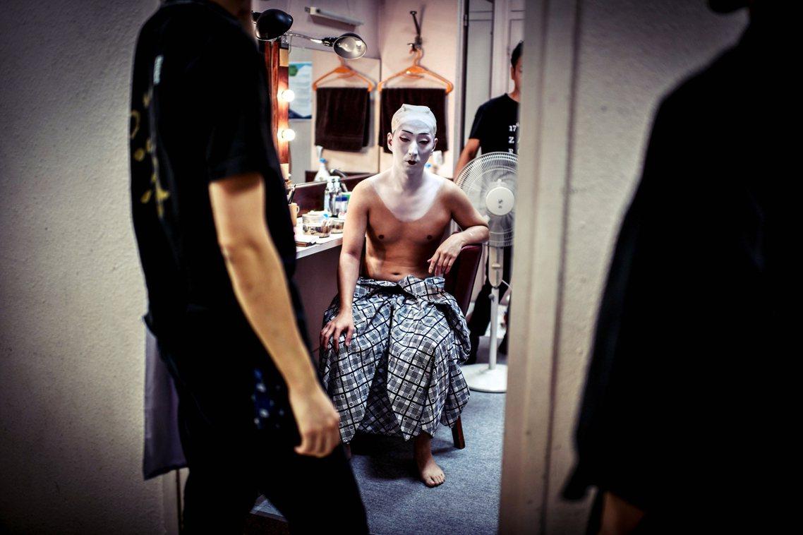 日夜二部制、按表操課維持25天已幾乎就是歌舞伎公演的基本模式。圖為2018年正在...