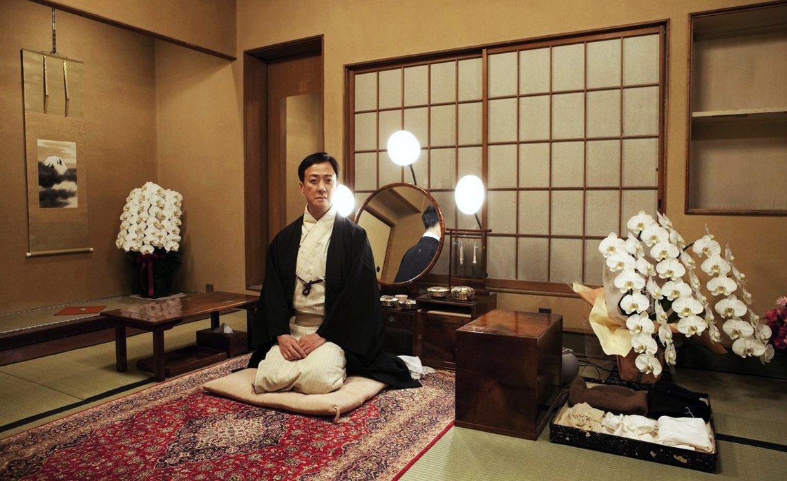 「不世出的女形」歌舞伎巨星——第五代坂東玉三郎——近年來也因為體力問題,而逐漸減...