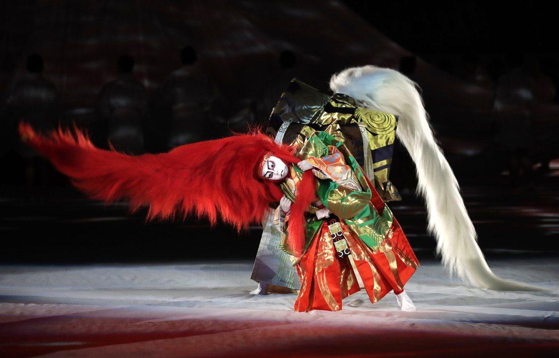「歌舞伎勞動改革之後,或許能改善人才不足的問題。」包括中川右介在內的藝評家們,本...