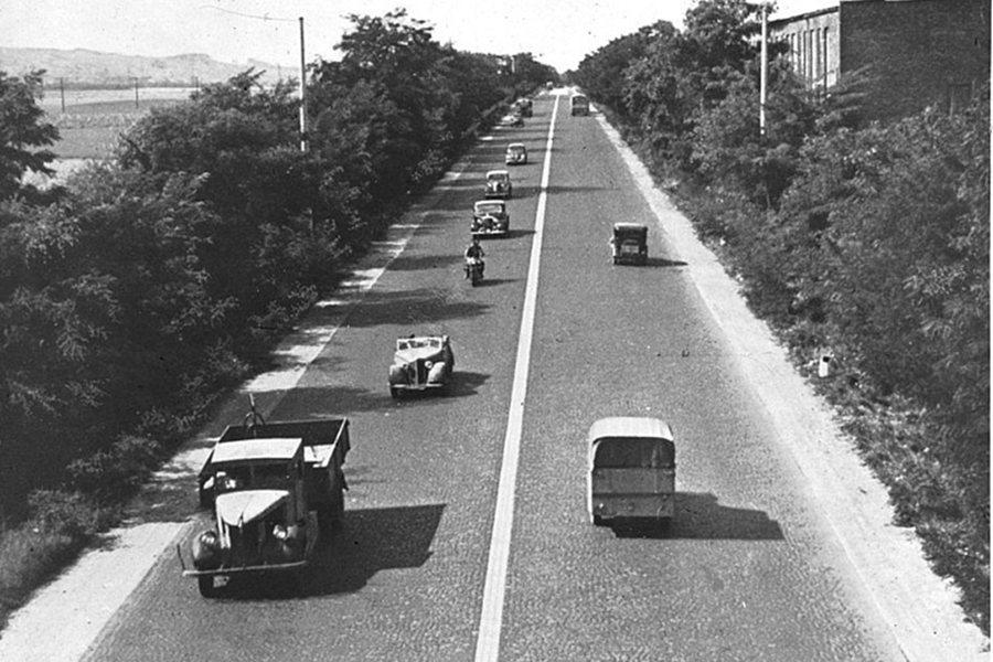 「科隆–波昂高速公路」(現今的A555號高速公路)是德國開通的第一條具現代意義的...