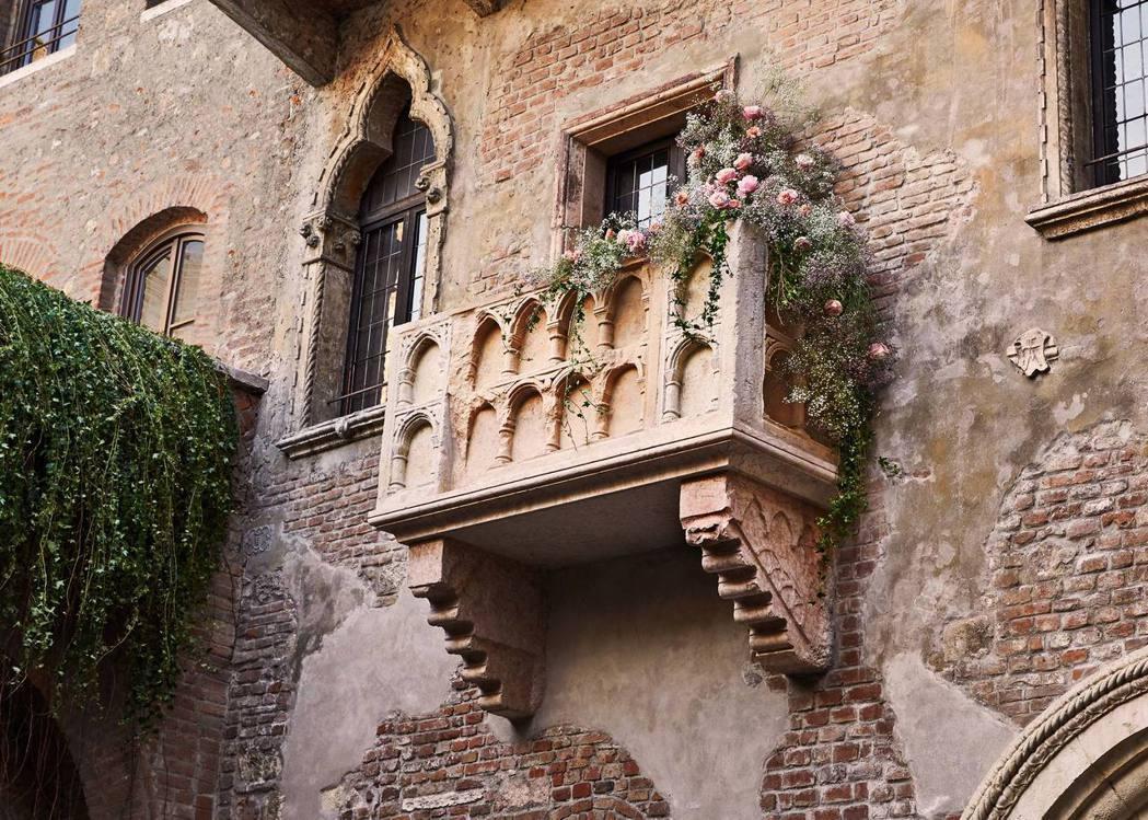 茱麗葉之家有著最具代表性的陽台,因莎士比亞名著《羅密歐與茱麗葉》而聲名大噪,現在...