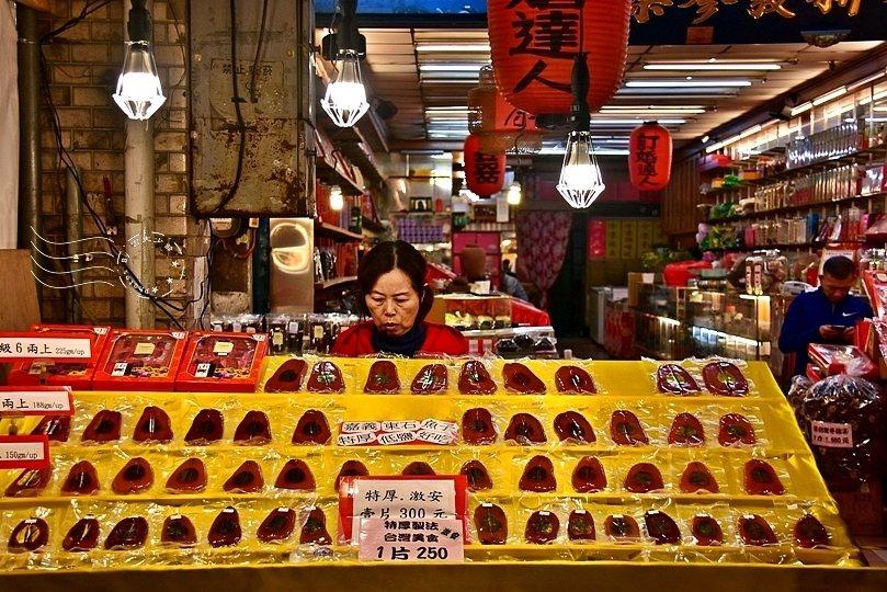 烏魚子,絕對是年貨大街熱銷重點商品。