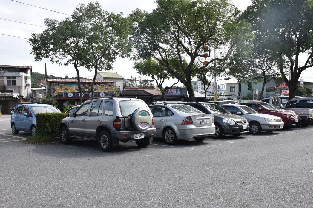 花蓮市有69處停車場、共5412格,停車格資訊將即時登錄在花蓮交通e點通網站方便...