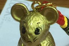除夕夜搶頭香!祀典大天后宮贈「金鼠公仔」給信眾