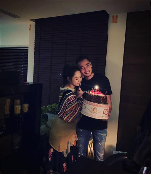 阿嬌老公為她在台北過生日。圖/摘自IG