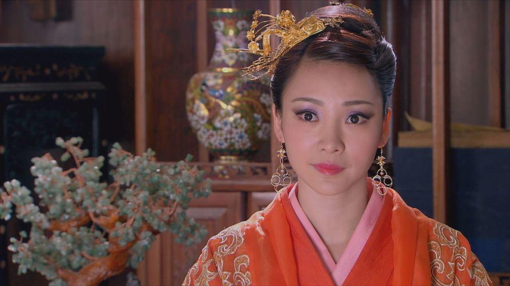 柳岩在「龍門飛甲」中飾演貴妃。圖/中天綜合台提供