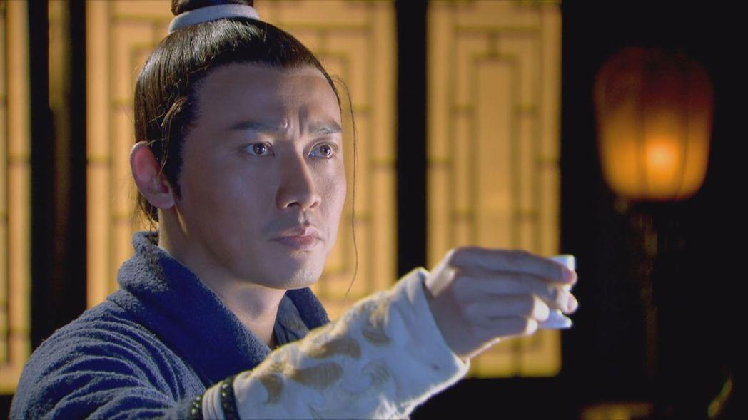 聶遠在「龍門飛甲」中飾演劇中武功高強的黃河大俠趙懷安。圖/中天綜合台提供