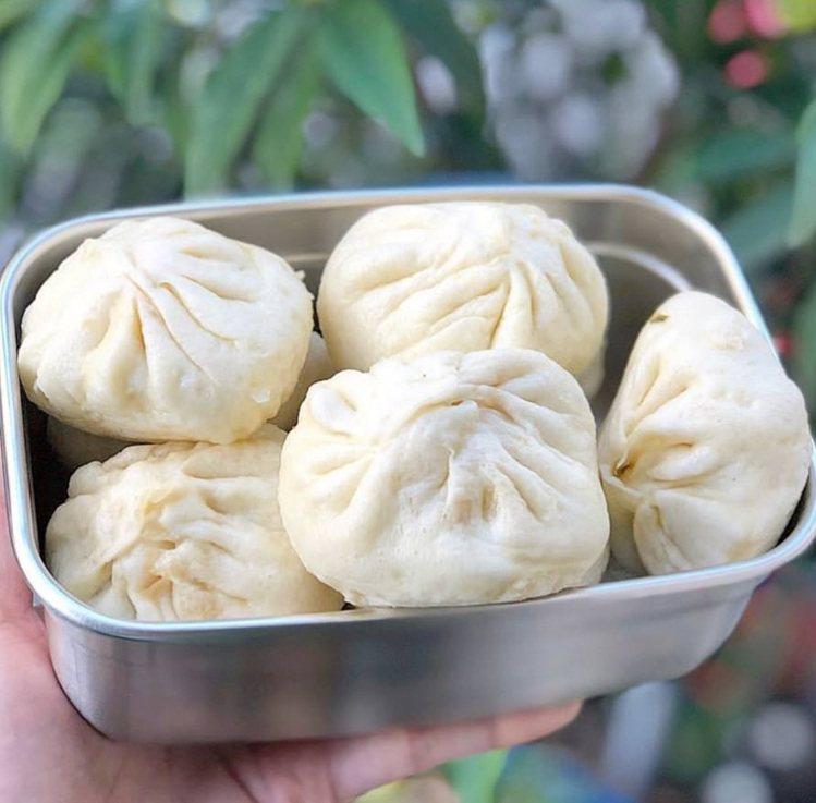 小籠包麵皮一口咬下有麵香。圖/FB/Blog: 舞食旅台灣。amos的走跳日常...