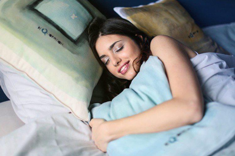 睡前別吃宵夜,長期下來可能會讓腸胃感到不適。圖/摘自 pexels
