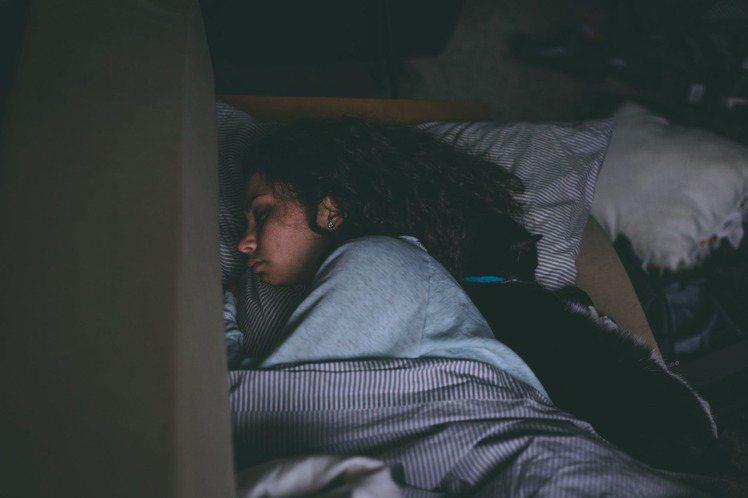 睡眠是最好的養生,遵守這幾件事情,也能輕鬆養好身體。圖/摘自 pexels