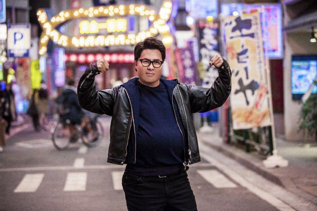 甄子丹變身胖漢、打進日本的「肥龍過江」,是春節聲勢最大華語電影。圖/華映提供