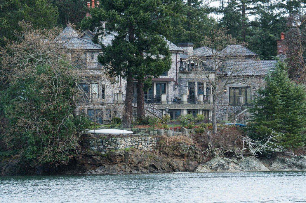 哈利與梅根在溫哥華島的住所外觀。法新社
