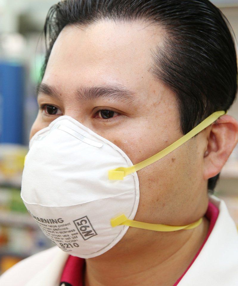為確保國內口罩供應,明(24)日起一個月內,管制「紡織材料製口罩,過濾效果94%及以上者」(N95口罩)及「其他紡織材料製口罩」兩項產品出口。聯合報系資料照/記者陳易辰攝影