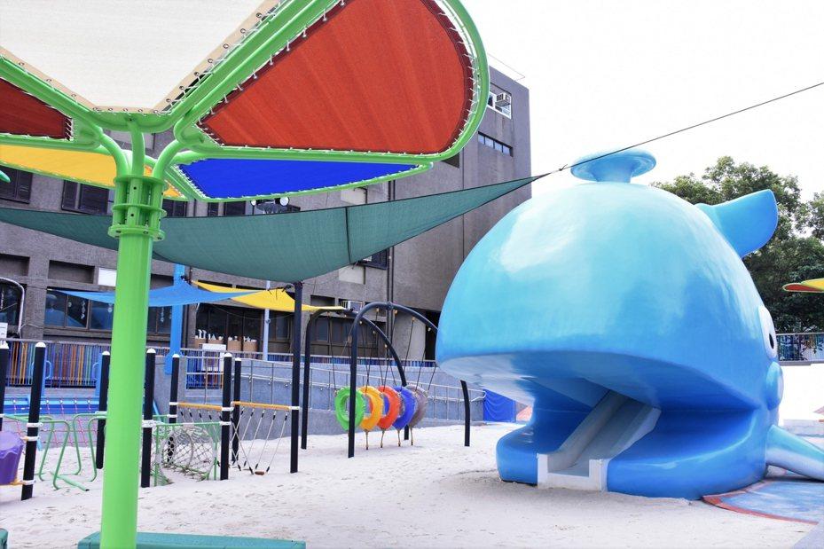 花蓮市花崗山親子戲沙池整修後,設施更安全完善,春節期間將開放親子使用。圖/花蓮市公所提供