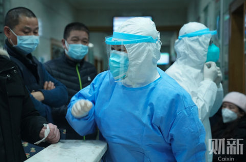 管軼稱,武漢肺炎根本沒法跟SARS疫情相比較,SARS傳播鏈清晰,但武漢肺炎已經...