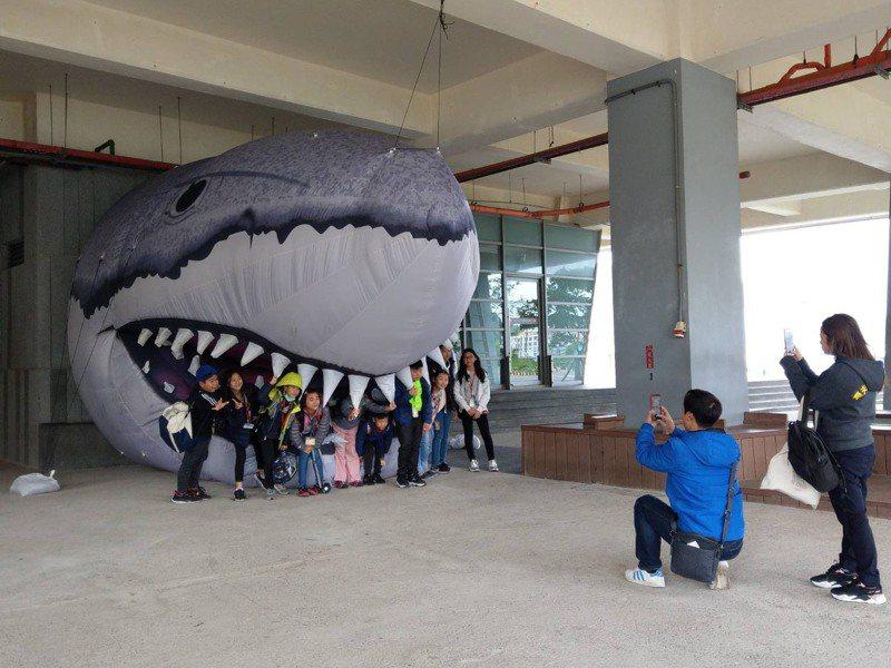 國立海洋科技博物館初一到初三發紅包,每天限量500份。圖/海科館提供
