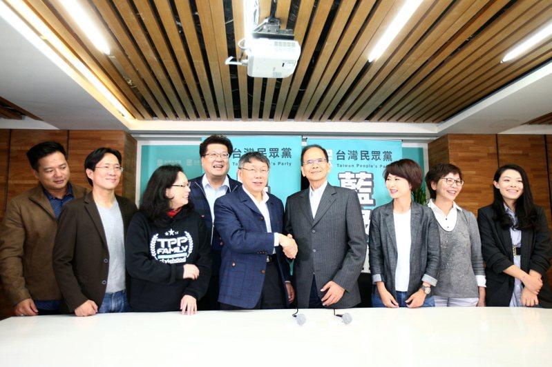民進黨不分區立委當選人游錫堃拜會台灣民眾黨。記者蘇健忠/攝影