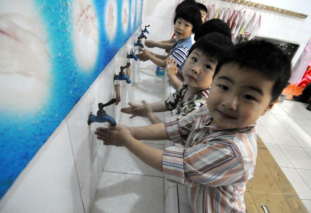 專家表示,預防疾病傳染最有效的方法還是勤洗手、避免碰觸眼鼻和維持健康生活習慣。(...