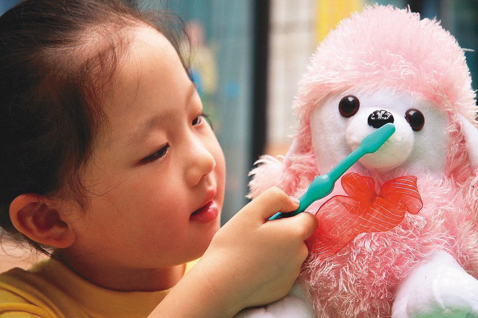牙醫師會根據會依現場狀況和患者病情輕重,盡量協助突發患者就診。 (新華社)