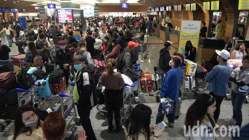 武漢肺炎快速擴散,即日起全大陸旅行社及在線旅遊企業,必須暫停經營團隊旅遊。記者鄭超文/攝影