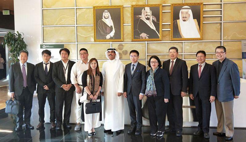 外貿協會董事長黃志芳於2019年12月率領台灣業者拜訪沙烏地阿布杜拉國王科技大學。貿協提供