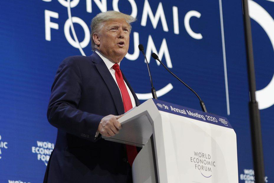 美國總統川普(圖)宣布從2月8日起美國將對鋼製衍生產品額外加課25%進口關稅,並對鋁製衍生產品額外加徵10%進口關稅。 美聯社