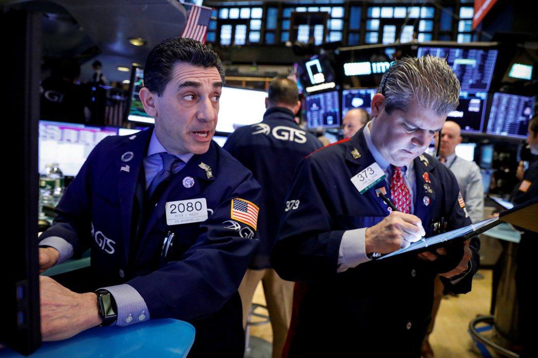 美股標普500指數24日下跌0.9%,創逾三個月最大跌幅。(圖/路透)
