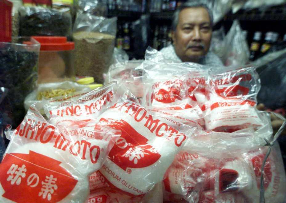 味之素在海內外都有銷售通路,圖為印尼雅加達一間商店內販售的味之素味精。(路透)