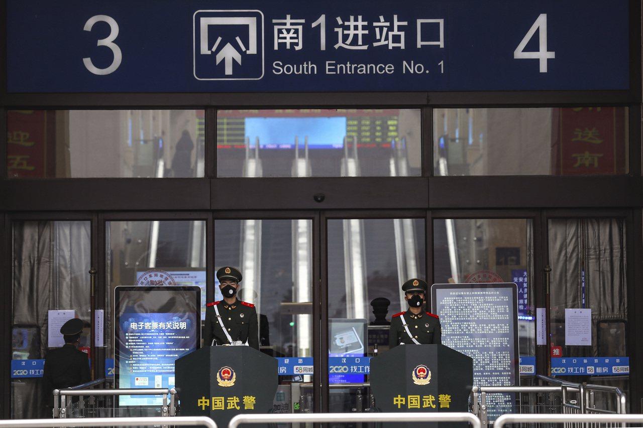 武漢市長周先旺今晚(26日)表示,目前有500多萬人離開武漢,還有900萬人留在...