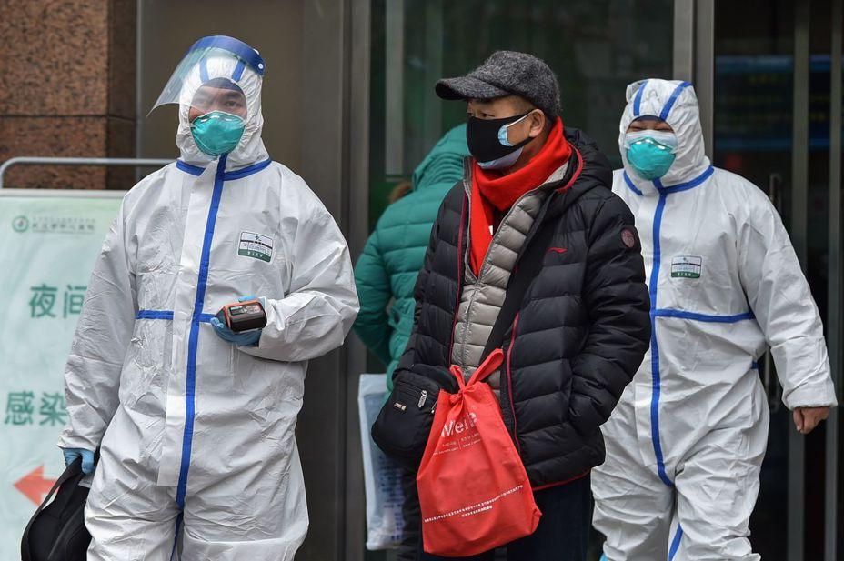 武漢肺炎持續擴散,截至26日中國官方公布累計確診病例約2000例,死亡50餘人。 法新社