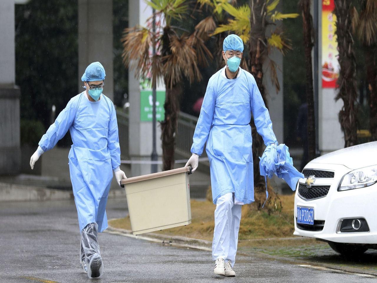 武漢封城後市內的醫療物資不足,多間醫院呼籲有心人捐出醫療物資。(Reuters)