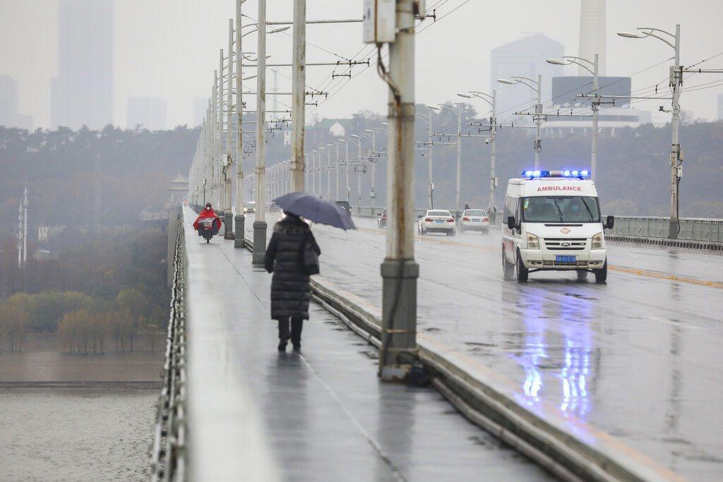 武漢封城後路上常見人煙稀少的景象。 美聯社